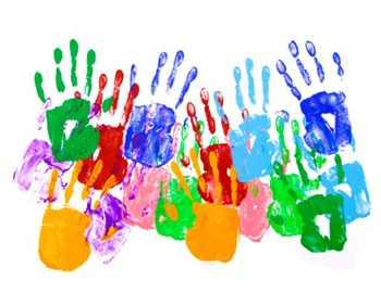 Фото. Разноцветные отпечатки пальцев детей