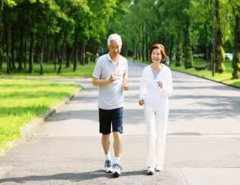 Бегают люди больные болезнью Паркинсона