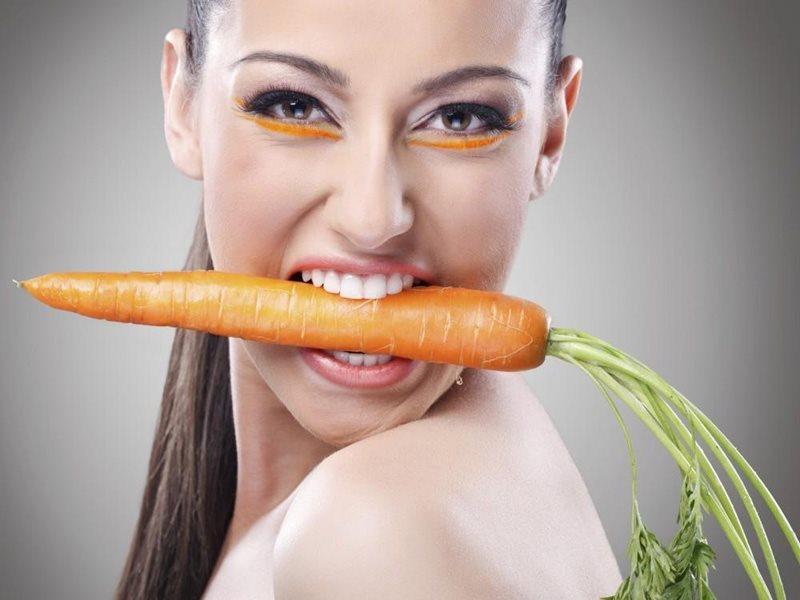 лицо с морковью