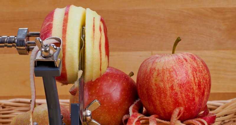 нарезка кожуры с яблок