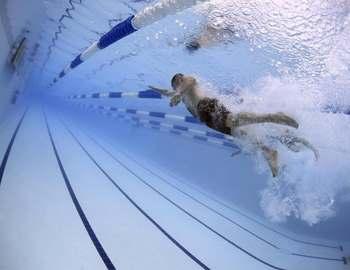 польза плавания для мозга