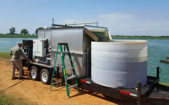 установка вытягивающая зеленые водоросли