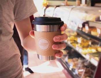кашка кофе в руке