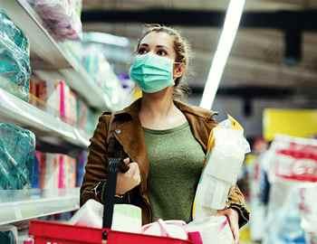 коронавирус женщина в маске
